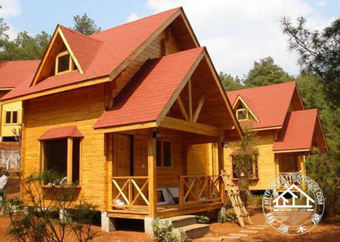 隨著生態環保概念的深入人心,木屋別墅在現在的建筑居住行業中,占有著十分重要的作用。它的使用深深影響著我們的生態環境! 木材是可再生資源,適當地使用木材不但不會破壞生態環境,反而能帶動森林活必化,因此,多利用林木作為居住環境的結構材料及內裝材料,可以改善國人的居住品質,為子孫留下更美好的空間。 自有人類以來,木材即與人朝夕相處,提供給人類生活上相當多的幫助,森林資源是一種可再生資源,不同于其它資源不可再生,所以,良好的管理規劃,可使這一全球最寶貴的資源得以良性循環,為人類繼續提供最密切的幫助。 木屋別墅